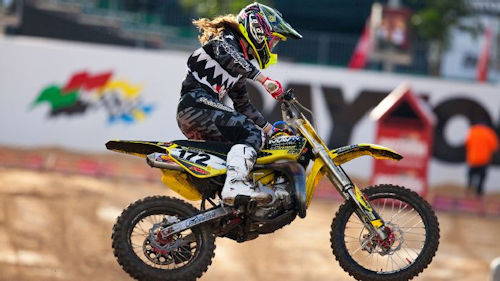 woman motocross rider hannah hodges